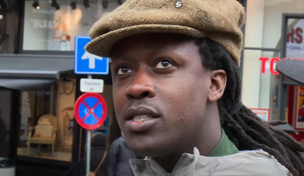 Akwasi slaat weer toe: claimt Amsterdamse grachtenpanden